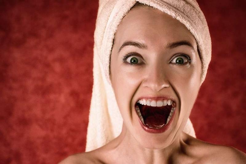 能让牙齿变白的牙膏为你介绍两个简单的美白牙齿办法